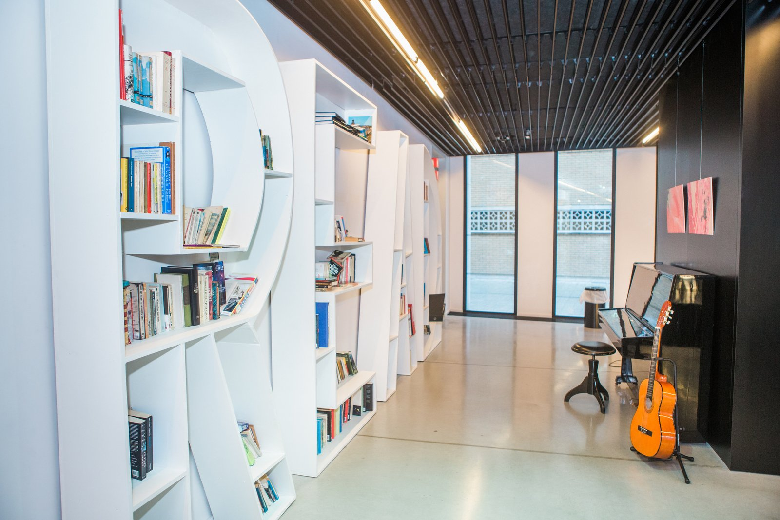 Lounge et bibliothèque