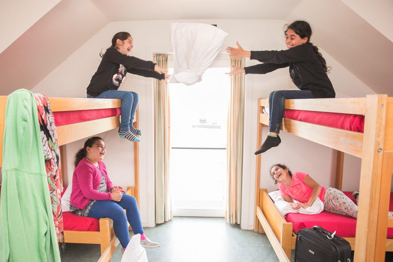 Kussengevecht in de meisjeskamer